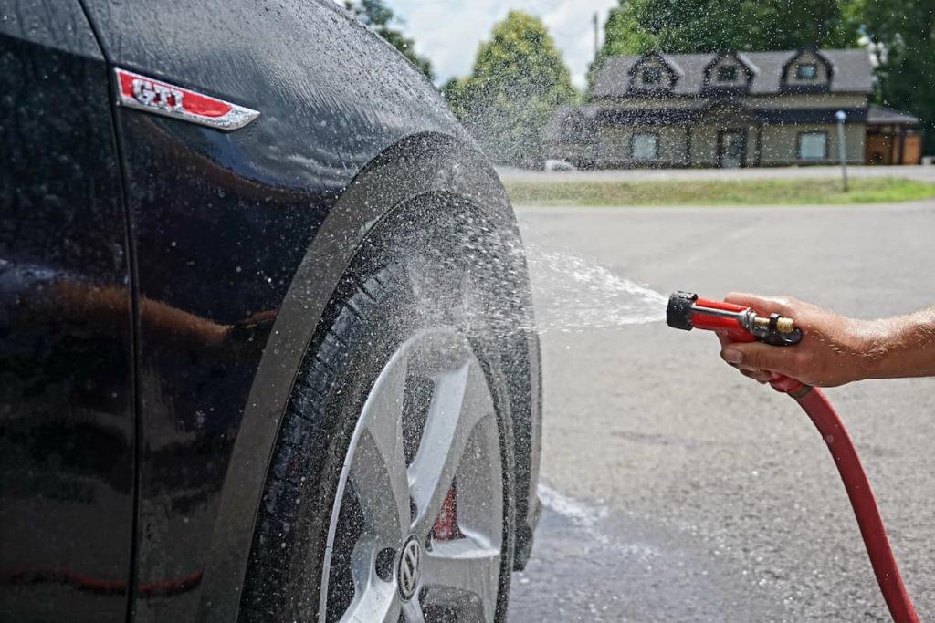 Samodzielne mycie auta - praktyczne porady